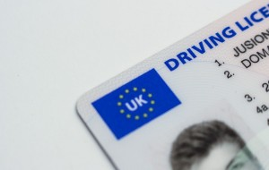 Uszkodzona karta kierowcy_Fot. Pexels